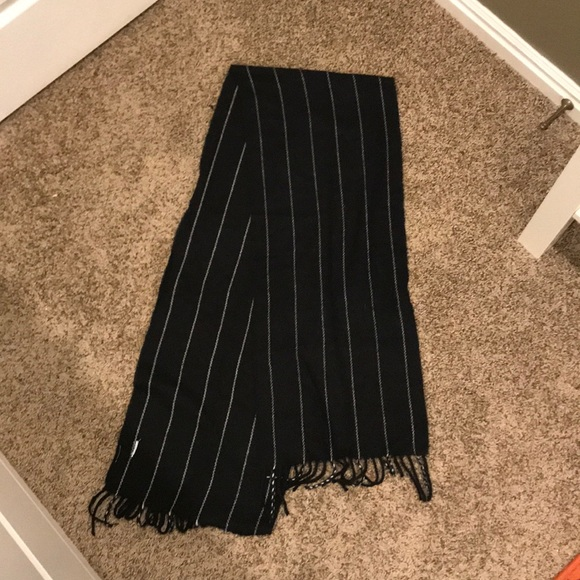 Other - Striped scarf